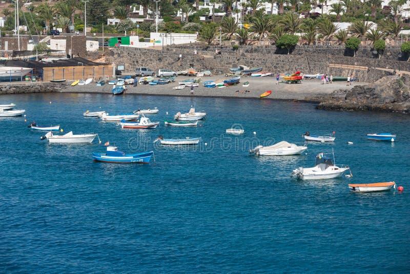 Bateaux de pêche dans le Blanca de Playa photo stock