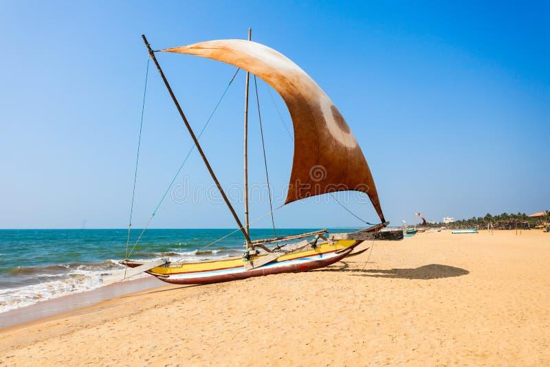 Bateaux de pêche dans Negombo photo stock