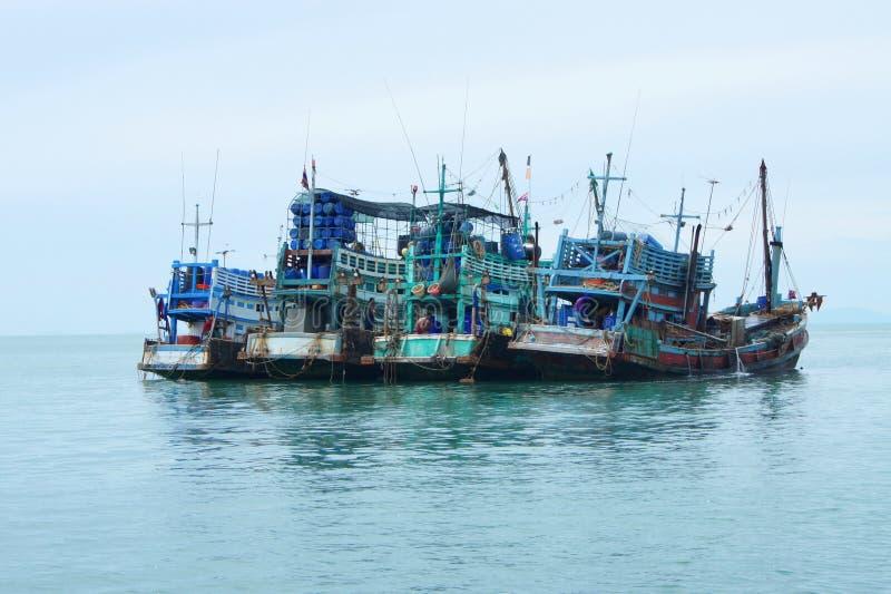 Bateaux de pêche en Thaïlande images libres de droits