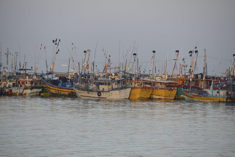 Bateaux de pêche sri-lankais images stock