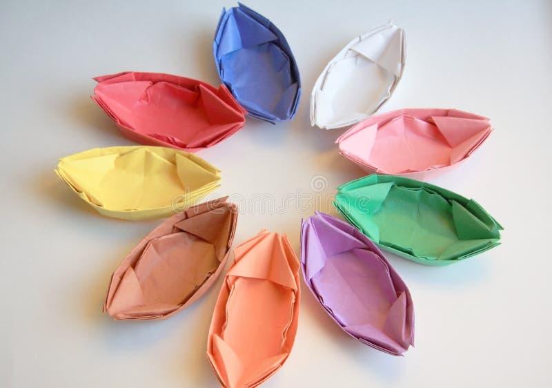 Bateaux de papier de couleur photo stock