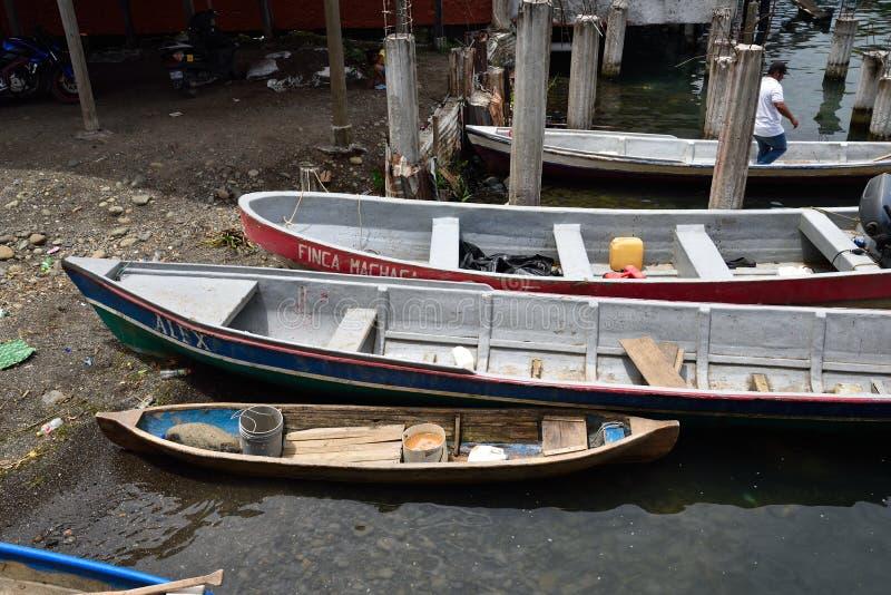 Bateaux de Rio Dulce photographie stock