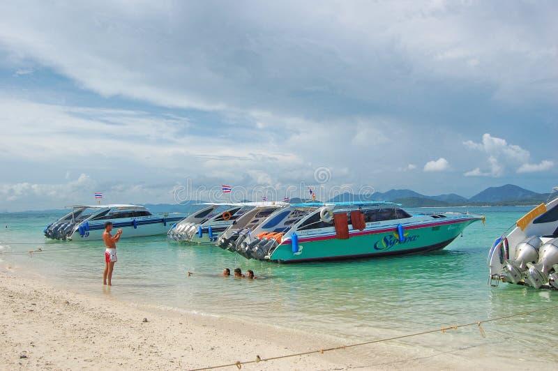 Bateaux de vitesse de Khai Nai Island Thailand images libres de droits
