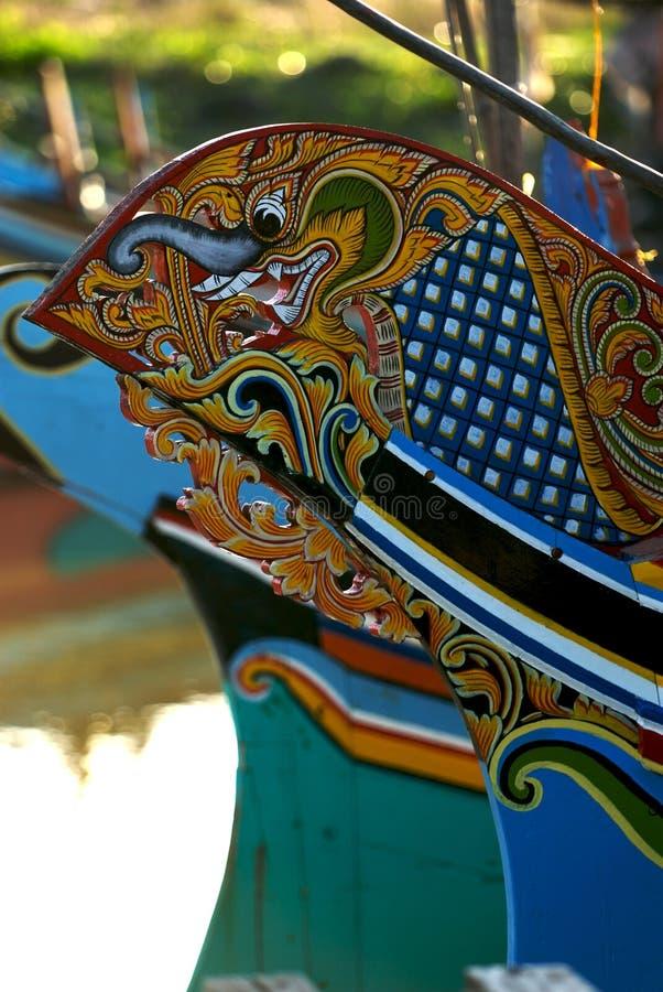 Bateaux en bois colorés photographie stock libre de droits