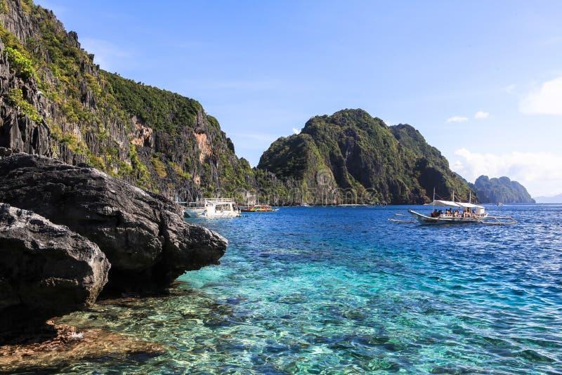 Bateaux sur la plage de l'EL Nido, Philippines images libres de droits