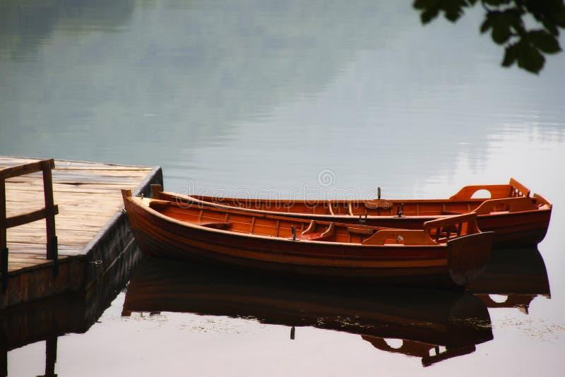 Bateaux sur le lac photos libres de droits