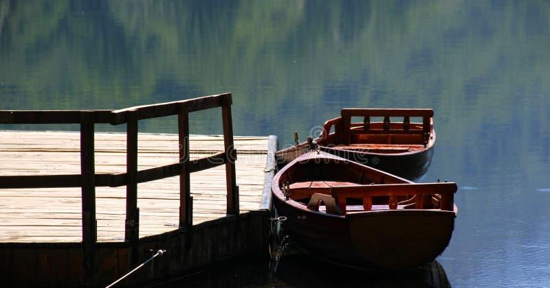 Bateaux sur le lac photo libre de droits