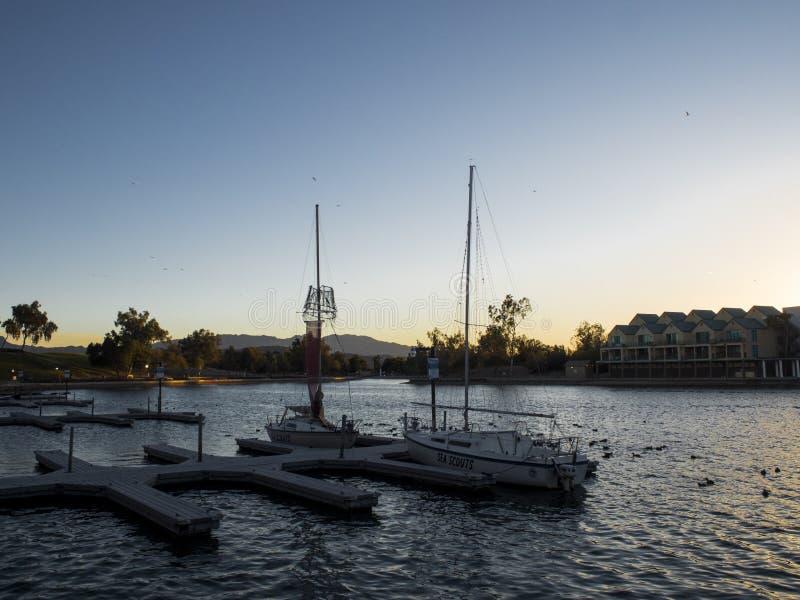 Bateaux sur le lac image libre de droits