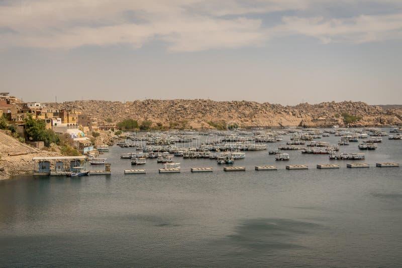 Bateaux sur le lac Nasser ?gypte photo stock
