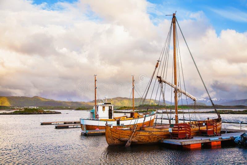 Bateaux traditionnels à l'île de Haholmen, Norvège photos stock