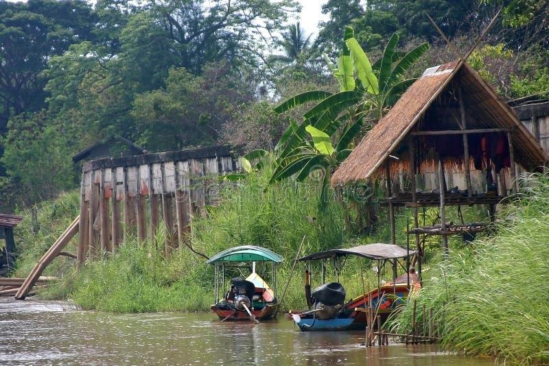 Batente do táxi do barco de rio imagens de stock royalty free