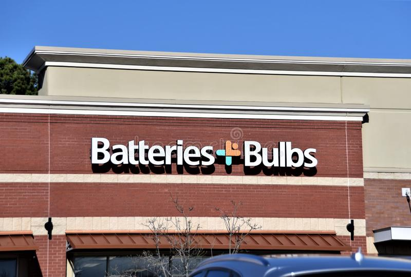 Baterías y bulbos fotografía de archivo libre de regalías