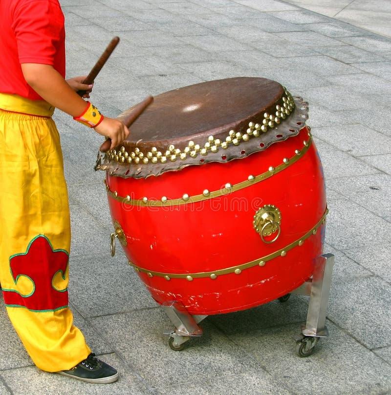 Baterista chinês no trabalho imagem de stock