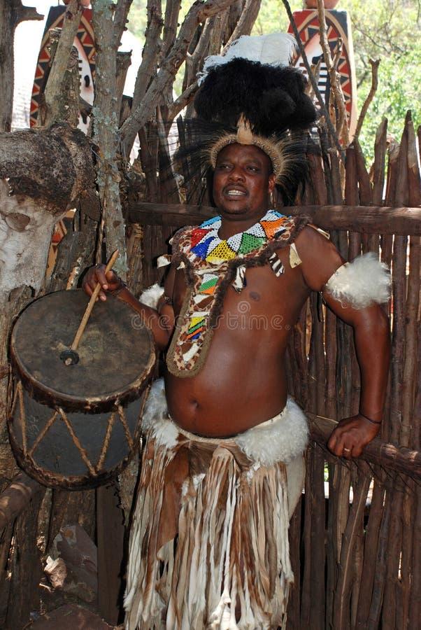 Baterista do tribo Zulu imagem de stock royalty free