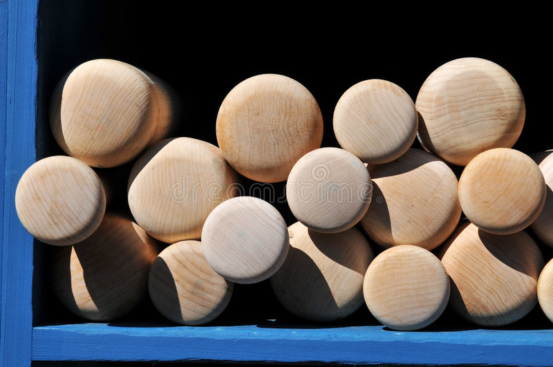 Bates de béisbol en la visualización fotografía de archivo