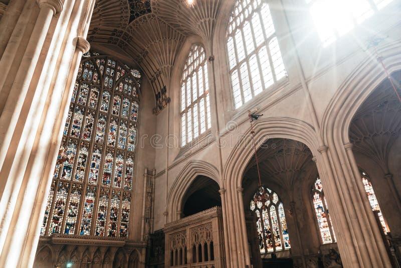Bath, Reino Unido - 30 de agosto de 2019: Interior da Igreja Abadia de São Pedro e São Paulo, vulgarmente conhecida como Bath Abb fotografia de stock