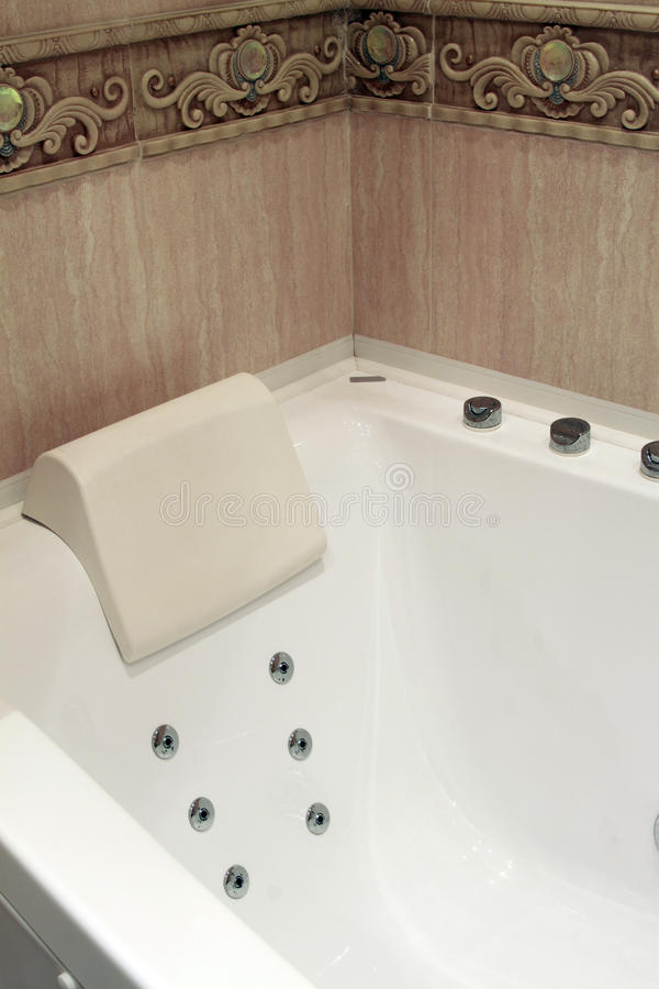 Download Bathtub stock photo. Image of knob, duck, hotel, clean - 25772364