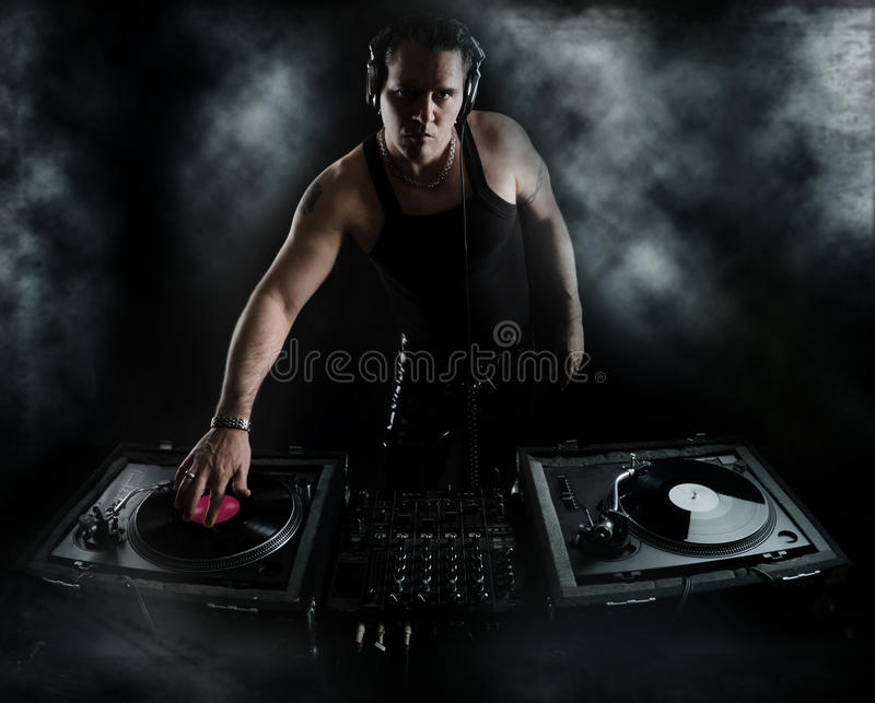 Batidas da obscuridade - mistura do DJ imagem de stock