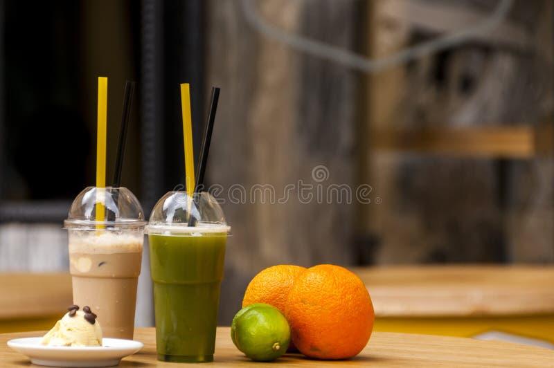 Batido de Matcha com café de gelo foto de stock royalty free