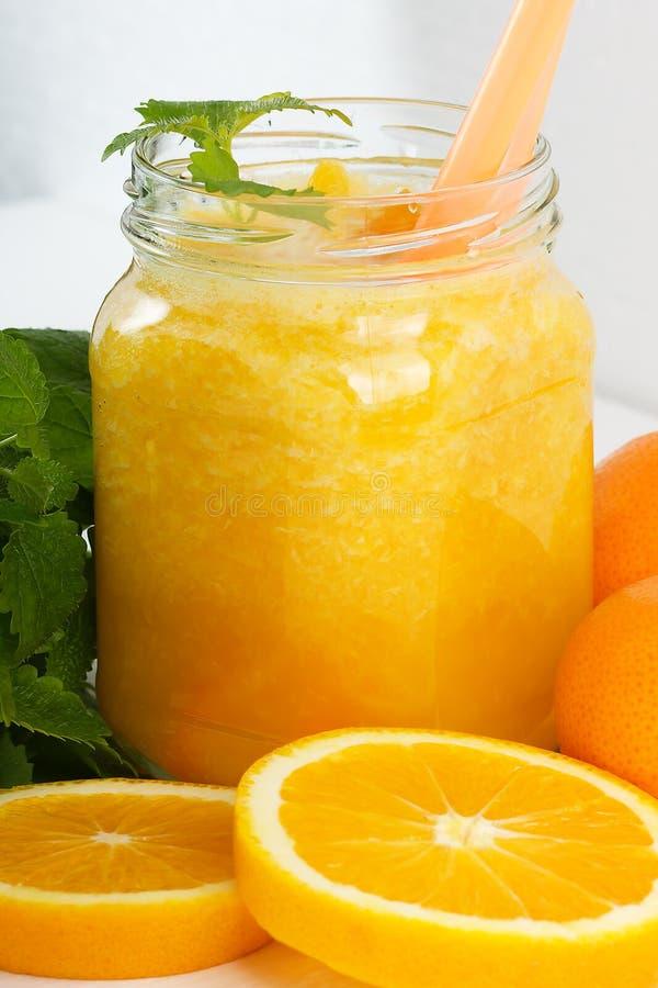 Batidos da laranja e da tangerina foto de stock