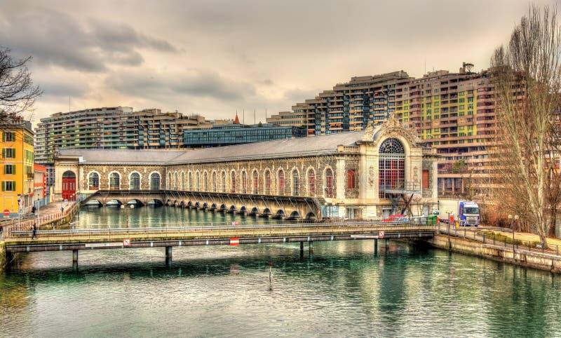 Batiment des tvingar motrices i Genève fotografering för bildbyråer