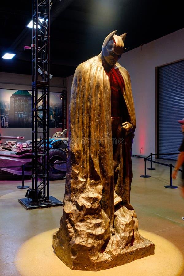 Batman statua przy Warner Bros studiami zdjęcie royalty free