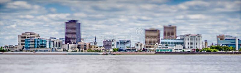 Baton Rouge Louisiana stadshorisont och omgeende sikter fotografering för bildbyråer