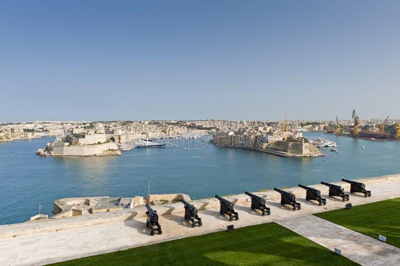 Batterie de salutation à Valletta, Malte image libre de droits