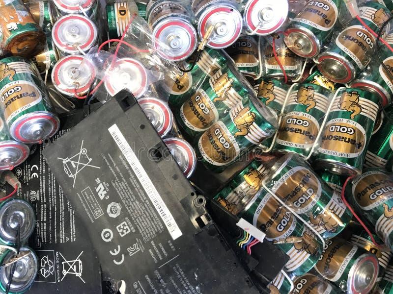 Batteries d'ordinateur portable et paquet inutilisés de grandes batteries de taille photo libre de droits