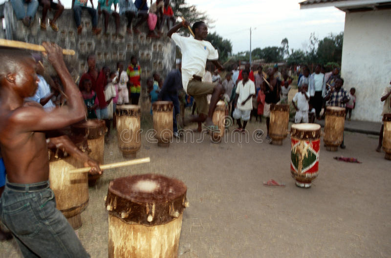 Batteristi nel Burundi. fotografia stock