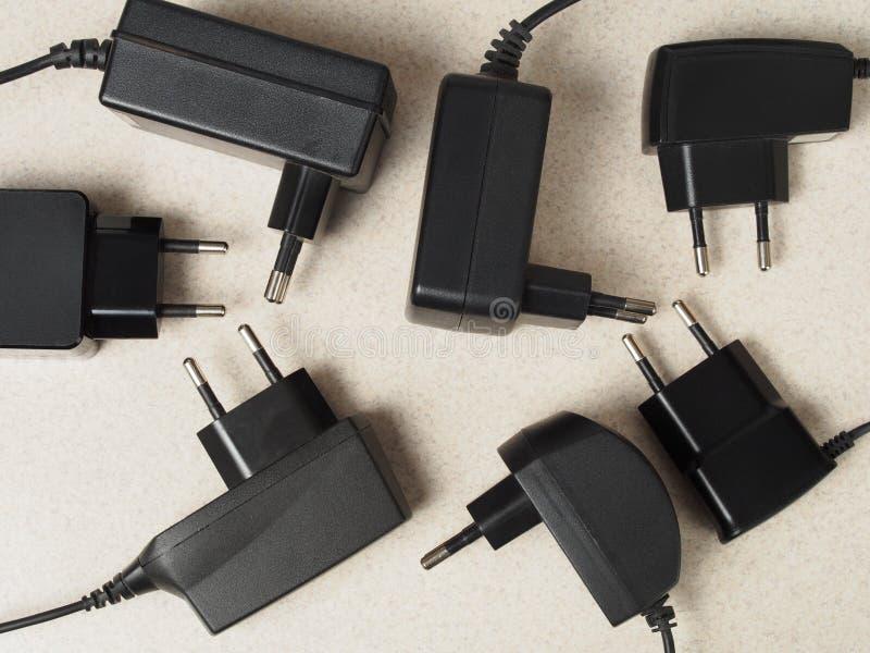 Batteriuppladdare arkivfoto