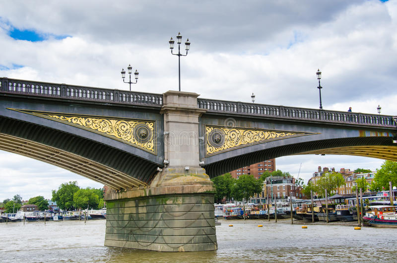 Battersea-Brücke, London, Vereinigtes Königreich lizenzfreie stockbilder