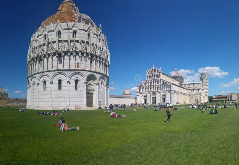 Battistero en duomo van Pisa stock fotografie