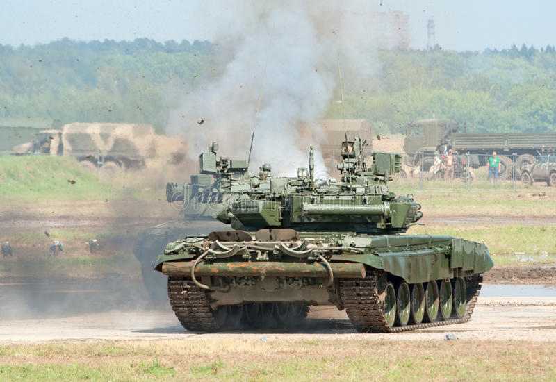 Download Battle Tanks Demonstrate Combat Editorial Stock Image - Image: 25886324