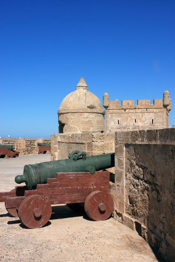 Battlement do forte de Marrocos Essaouira fotos de stock