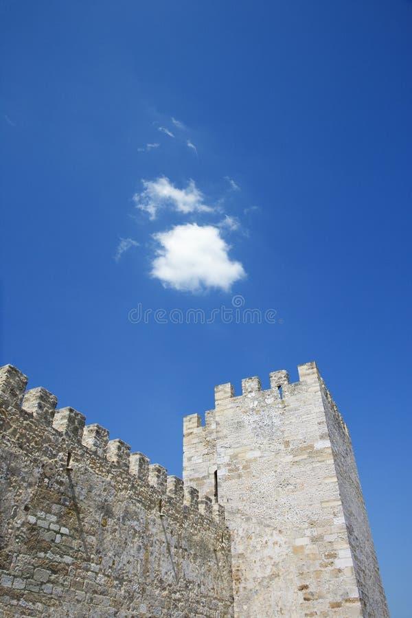 Battlement e torre antigos do castelo fotografia de stock