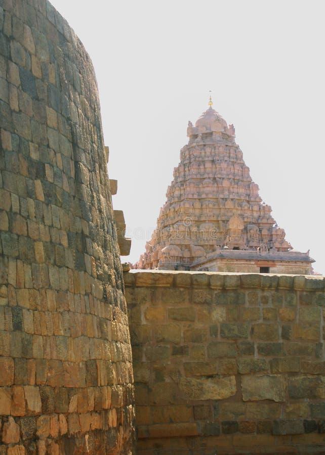 Battlement przed antyczną Brihadisvara świątynią w Gangaikonda Cholapuram, ind fotografia stock
