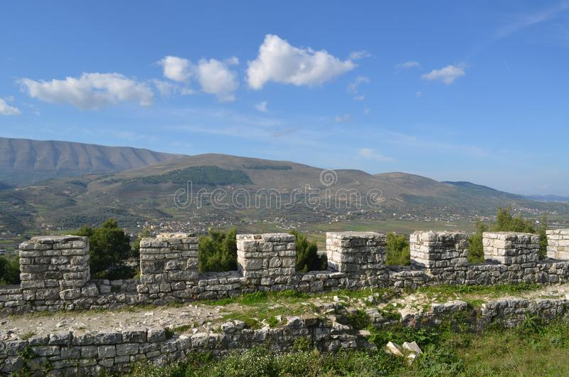 Battlements των Βεράτιο Castle, Αλβανία στοκ εικόνα με δικαίωμα ελεύθερης χρήσης
