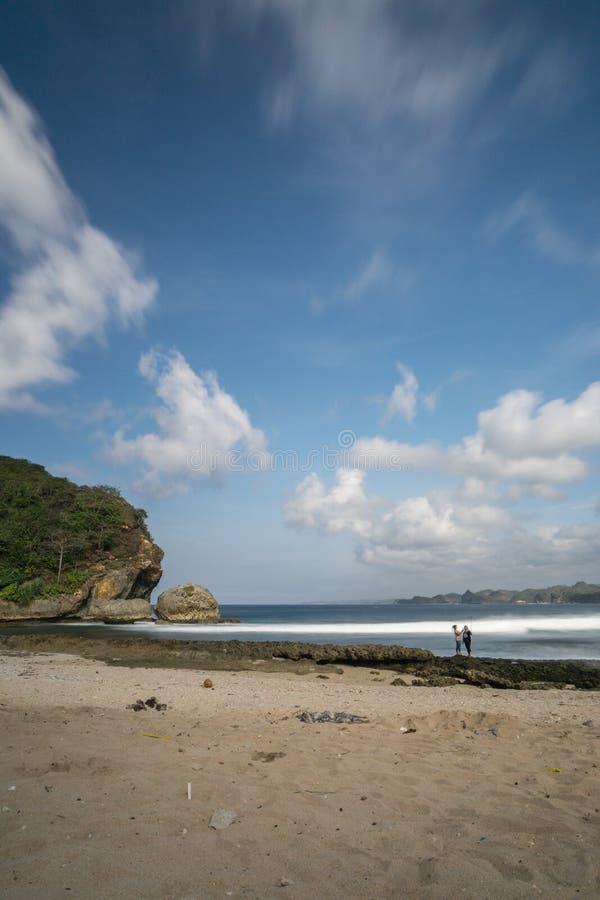 Batu Bengkung plaża Malang Indonezja zdjęcie stock