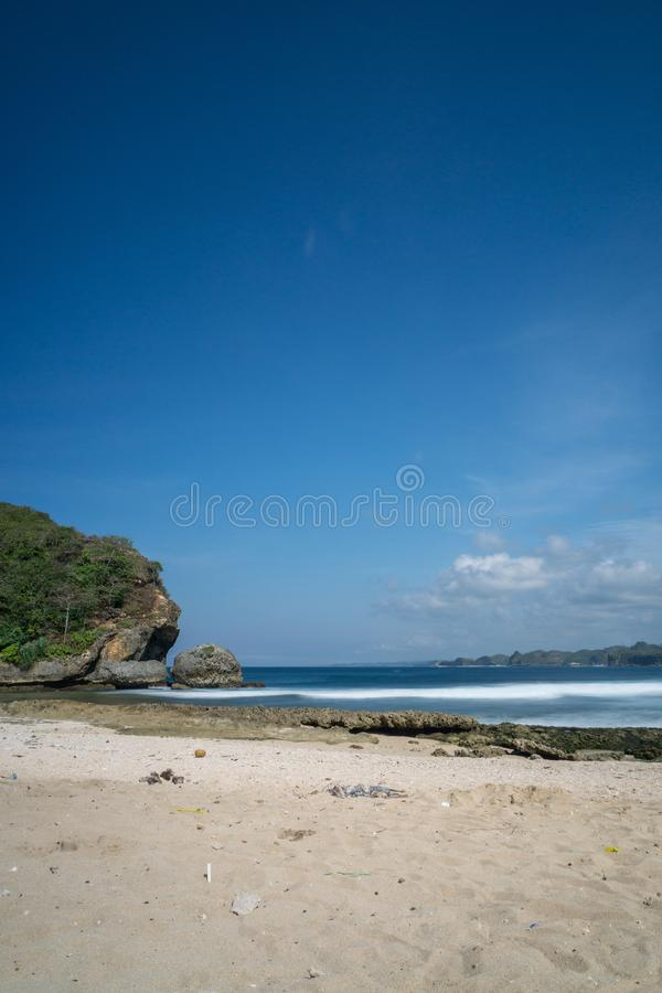 Batu Bengkung plaża Malang Indonezja obrazy royalty free