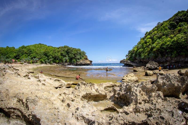 Batu Bengkung strand Malang, Indonesien royaltyfri fotografi