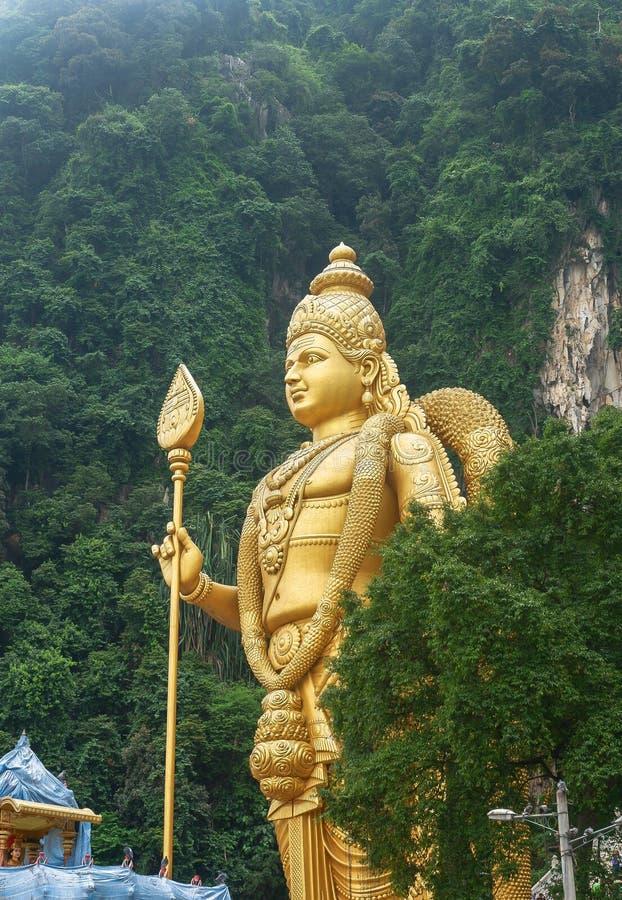 Batu cava com a estátua de Murugan em Malásia foto de stock