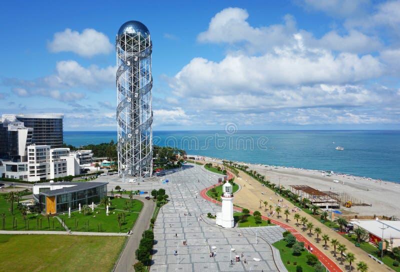 BATUMI, ADJARA, GEORGIA - 9 SETTEMBRE 2017: Vista aerea della torre alfabetica sul boulevard di Batumi Batumi, Georgia immagine stock