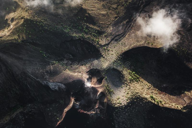 Batur火山破火山口空中寄生虫视图在巴厘岛 免版税库存照片