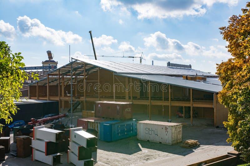 Bau-Demolierungs-Tageslicht M Oktoberfest hinter den Kulissen lizenzfreie stockfotos