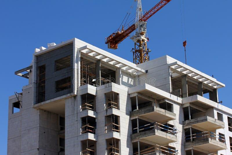 Bau des Gebäudes stockfotos