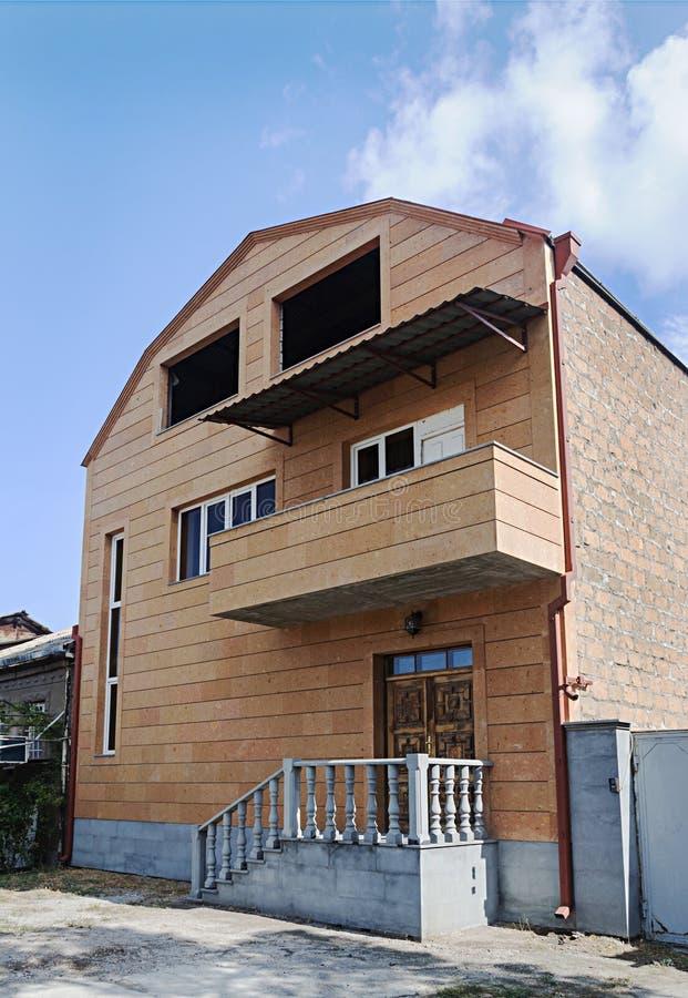 Bau des Neubaus in Eriwan stockfotografie