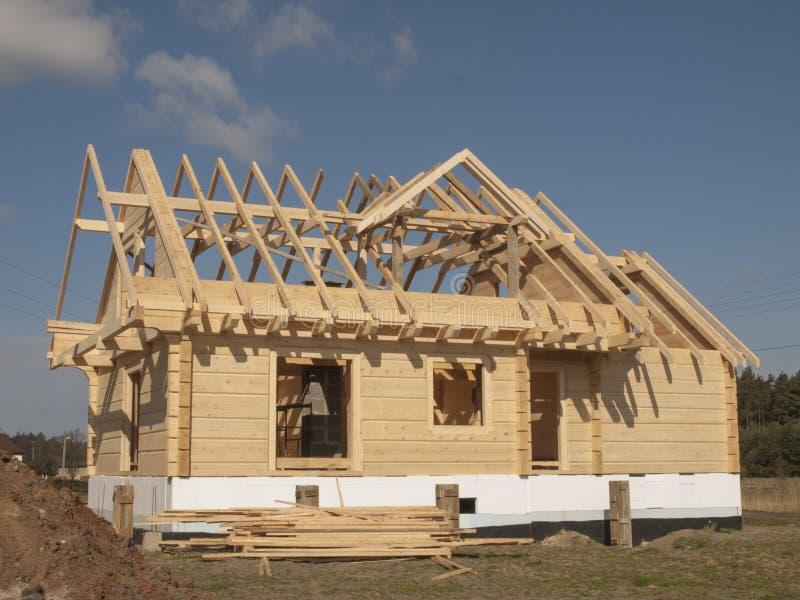 Download Bau Eines Holzhauses Mit Den Klotz Rechteckig Stockbild   Bild Von  Struktur, Maurerarbeit: