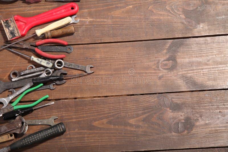 Bau hämmert Schraubenzieherreparatur-Werkzeugzangen stockfotos
