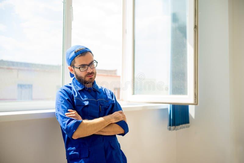 Bauarbeiter Thinking lizenzfreie stockfotos